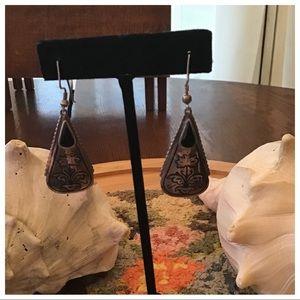 "Vintage Sterling Flower Etched Onyx Earrings 2"""